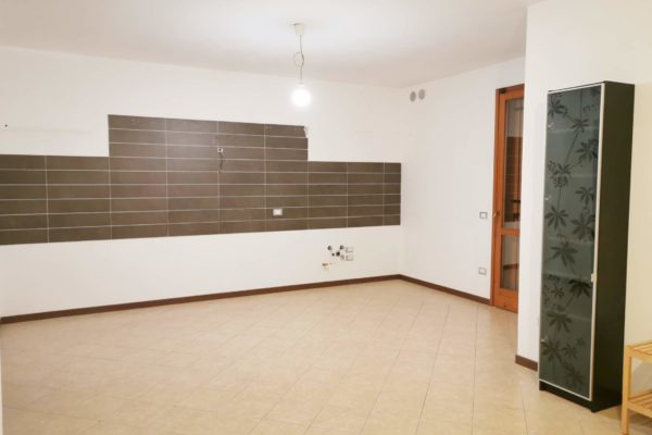 (642) 3 CAMERE